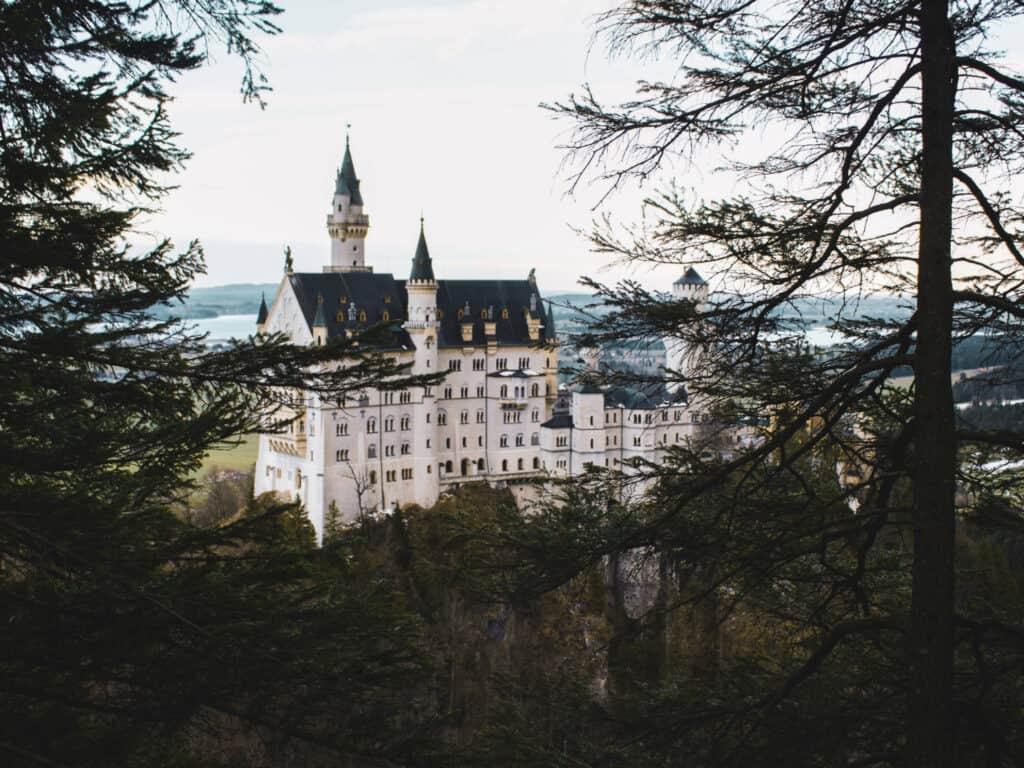 Schloss Neuschwanstein with trees